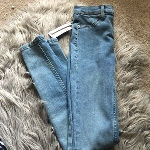 Free People | Light washed skinny jeans